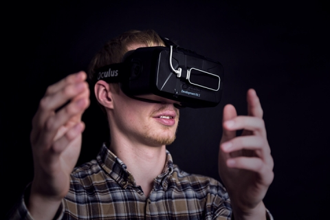 A DCA Employee Using The Oculus Rift